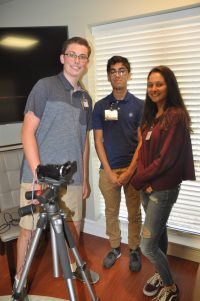 Teen Volunteers Record Video Veterans History Project